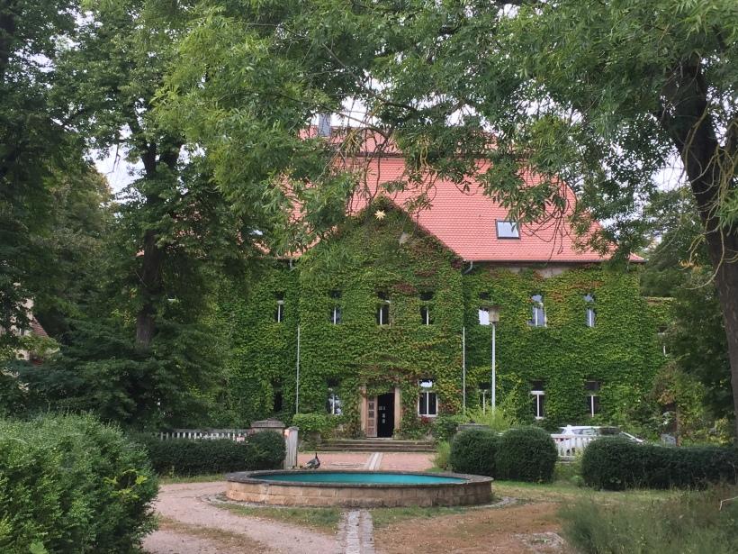 Herrenhaus-neu